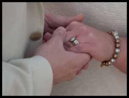 Mencintai Istri Kita Karena Allah